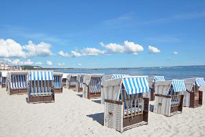 Strandkörbe an der Ostsee bei Binz auf Rügen
