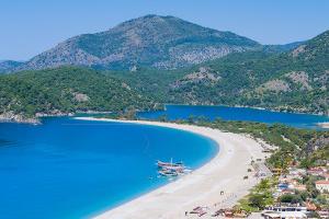 Der Strand von Ölüdeniz in der Türkei